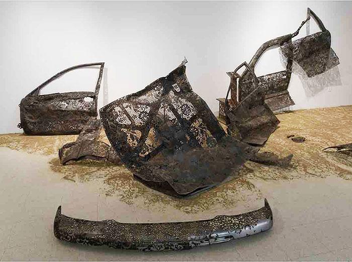 инсталляция из металла