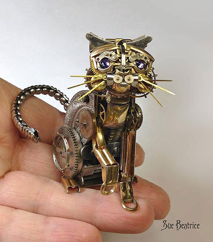Кот из часов