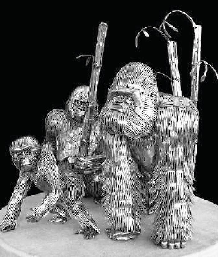 Семья горилл