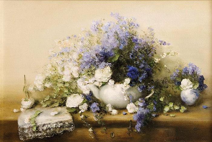Белые розы и васильки